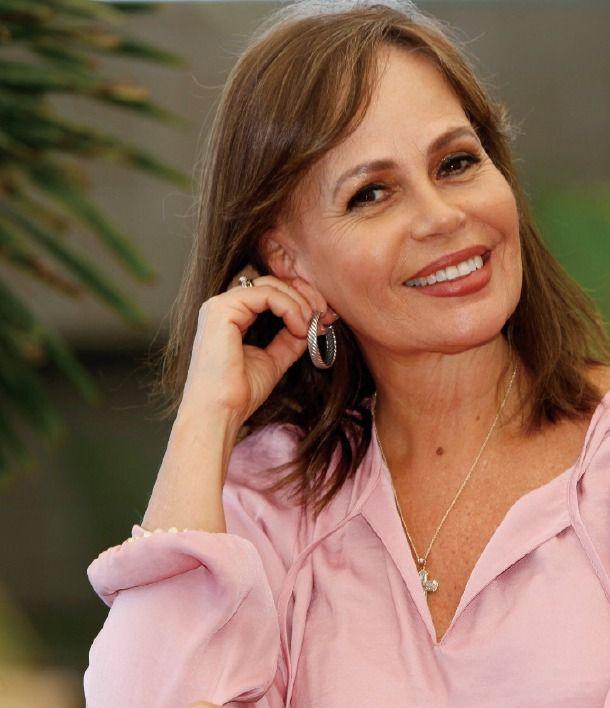 <h1>Glenda Umaña, Periodista egresada de la Universidad de Costa Rica con maestría en la Universidad Internacional de la Florida, fundadora de Glenda Umaña Communications (GUC)</h1>