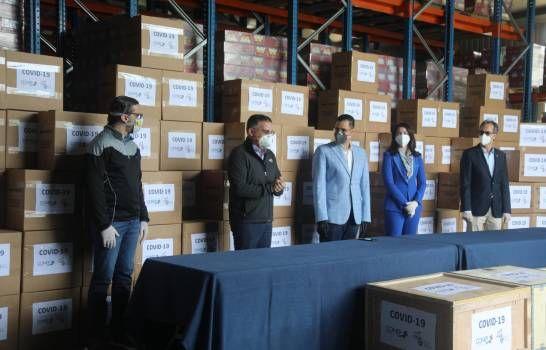 El Conep y Sanar una Nación entregan 10,000 pruebas y otros insumos para lucha contra el COVID-19