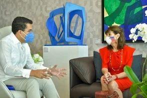 <p>David Collado y embajadora de Estados Unidos&nbsp;tratan situaci&oacute;n del turismo</p>