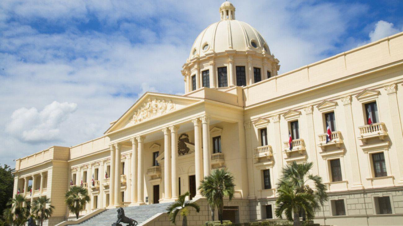 Danilo Medina extiende toque de queda por 15 días a partir del viernes 3 de abril