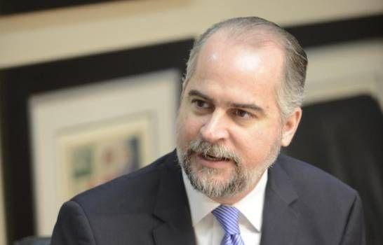 Alejandro Fernández dice es necesario adoptar medidas para reactivar economía
