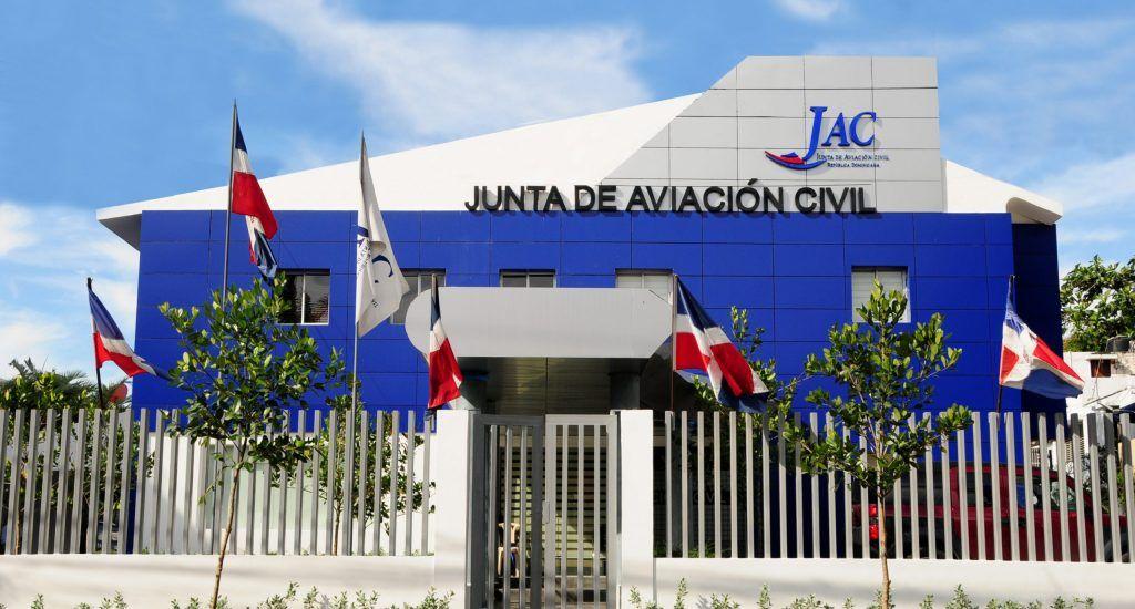 <p>JAC anuncia aprobaci&oacute;n protocolo funcionar&aacute; para reapertura de los aeropuertos</p>