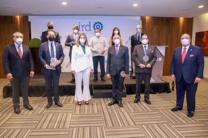 <p>AIRD reconoce labor de legisladores; entrega premio al Periodismo Industrial</p>