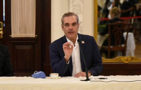<p>Presidente Luis Abinader se dirigir&aacute; al pa&iacute;s hoy a las ocho de la noche</p>
