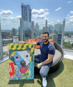 El arte alegre y optimista del venezolano Ruggery Sánchez se convierte en murales de la Lyft en Atlanta