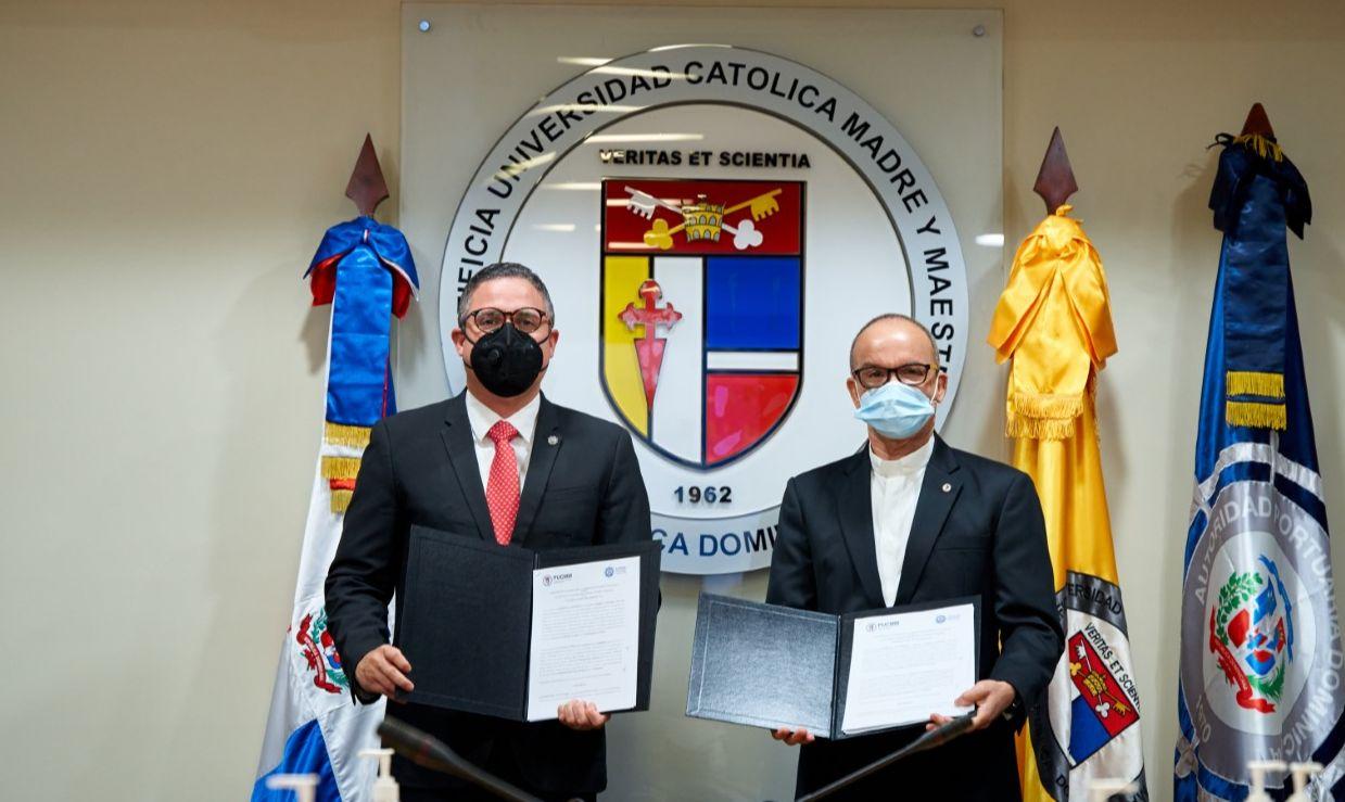 Autoridad Portuaria y PUCMM firma acuerdo de cooperación