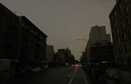 <p>Apag&oacute;n afecta una gran franja de Manhattan</p>